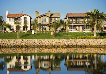 Contemporary Housing Community on Lake