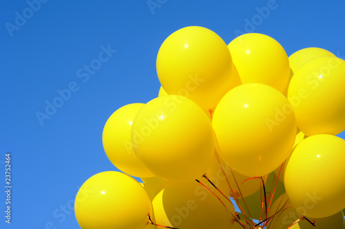 yellow balloons - 23752464