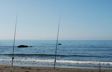 Cañas de pescar, playa