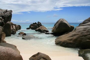 Seychellenstrand mit Granit