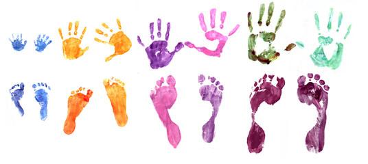 empreintes pieds et mains famille