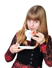 girl grinking tea