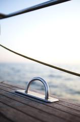 Clous up Sailing