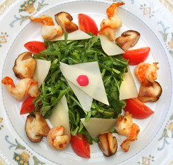 arugula salad with shrimp and porcini mushrooms