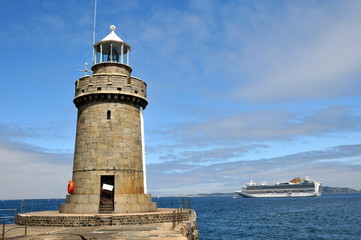 Lighthouse & Cruise Ship