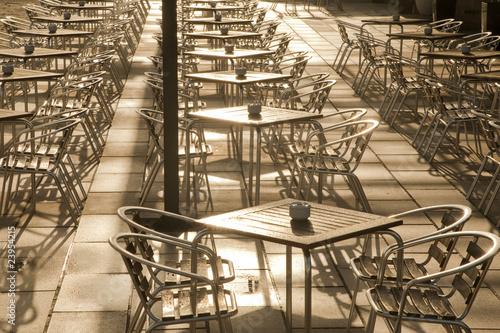 stoliki-kawiarniane-w-paryzu