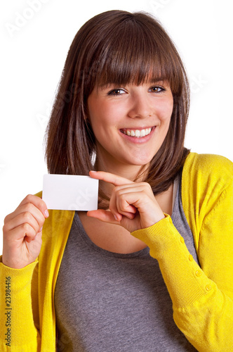 lachende Frau mit Visitenkarte