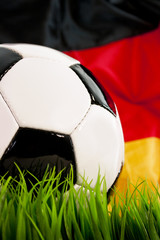 Fussball mit Deutschlandfahne