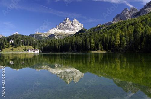 Leinwandbild Motiv Der schönste See der Dolomiten - Missurinasee