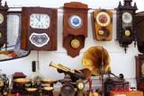 Fototapety antiques fair market wall old clocks