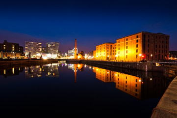 Albert Dock liverpool at night