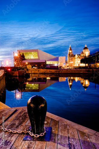 Foto op Canvas Poort Liverpool skyline at night