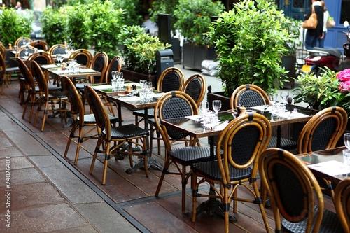 terrasse de café - 24026403