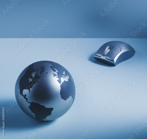 Metal globe and wireless computer mouse