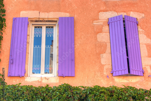 Finestre provenzali di nikla foto stock royalty free - Finestre provenzali ...