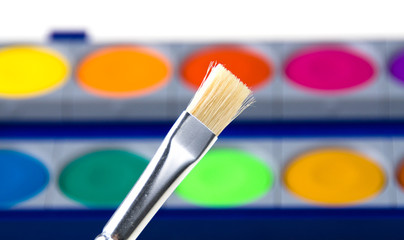 Farbkasten & Pinsel