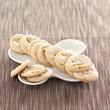 crunchy pine nut macaroons