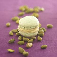 pistachio macaroon