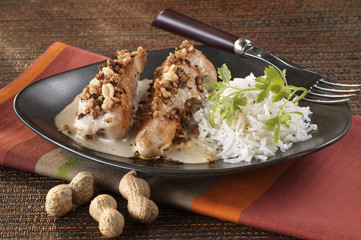 chicken with peanuts and cashew nuts