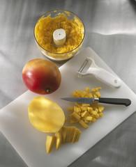 dicing the fresh mango