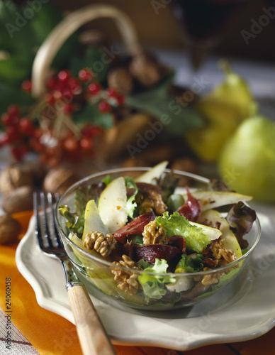 magret,pear and walnut salad