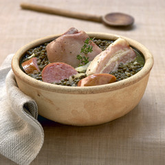 pork knuckle with lentils