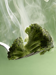 steam-cooked broccoli