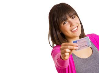 Frau nach bestandener Fahrprüfung