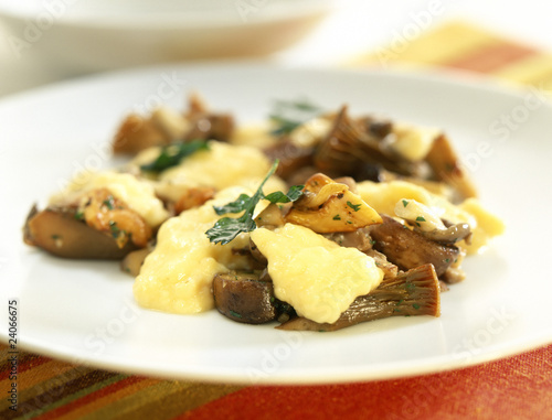 creamy eggs with mushrooms