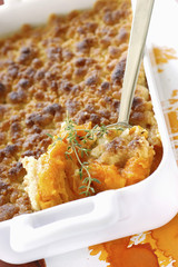 apricot and thyme crumble