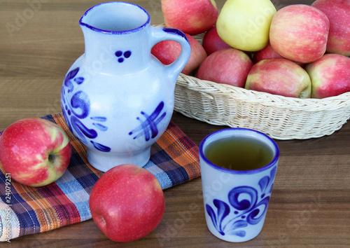 Leinwandbild Motiv Apfelwein
