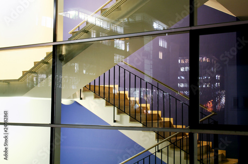 Leinwandbild Motiv buntes Treppenhaus