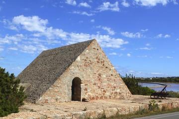 triangle stone masonry Ses Salines formentera