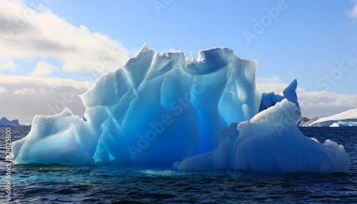 Papiers peints Antarctique Wonderful iceberg nearly transparent in Antarctica