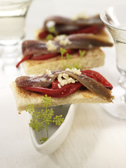anchovy,red pepper and garlic canapé