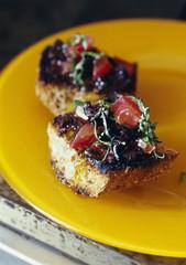 olive and tomato crostinis