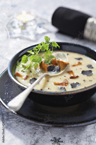cream of jerusalem artichokes with truffles and chanterelles