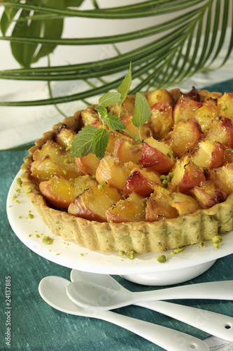 caramelized peach tart