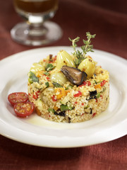 mushroom and raisin tabbouleh