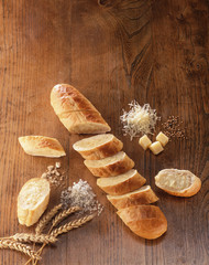 sliced baguette,coarse salt and diced cheese