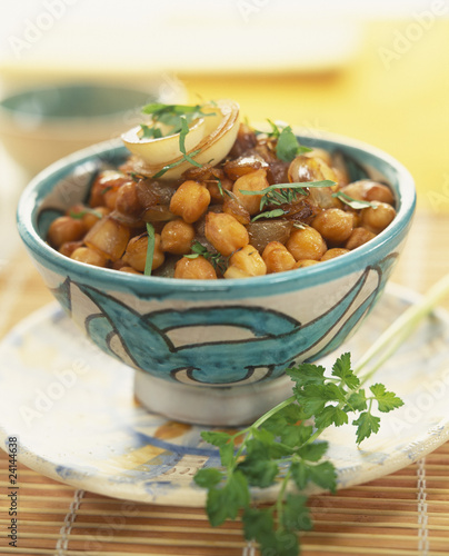 chickpea and caramelized onion salad