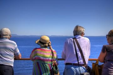 Turisti e l'orizzonte
