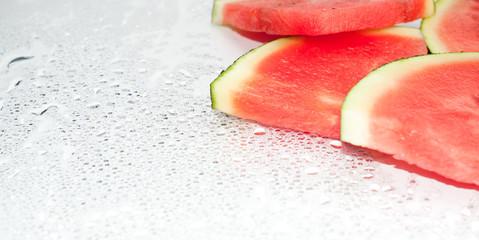 Frische Wassermelone mit Tropfen