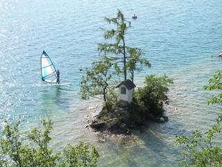 windsurfer am see