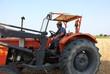 contadino sul trattore