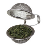 Tea strainer with green tea