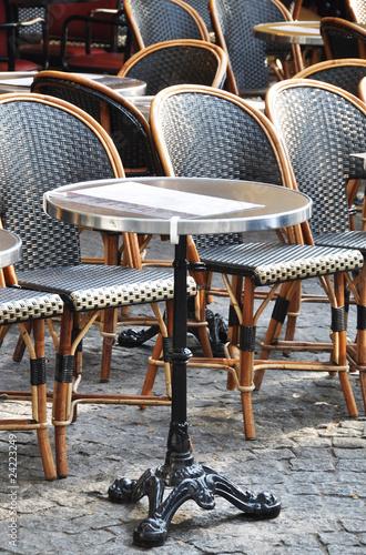 Papiers peints Table preparee Café terrace in Paris #1