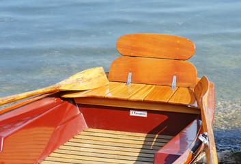 Ruderboot am Wasser - Roawing Boat