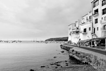 Cadaqués, Costa Brava, España, en blanco y negro