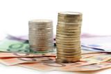 monete e banconote in euro su fondo bianco poster